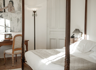 la bastide de moustiers la chambre blanche. Black Bedroom Furniture Sets. Home Design Ideas
